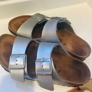 Birkenstock Arizona Soft Footbed in Leather 37 N